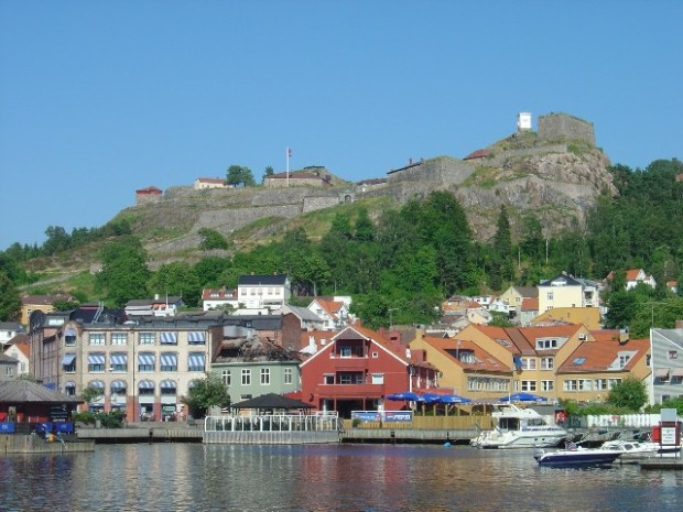 Fredriksten_fortress_Norway_seen_from_Halden_harbor